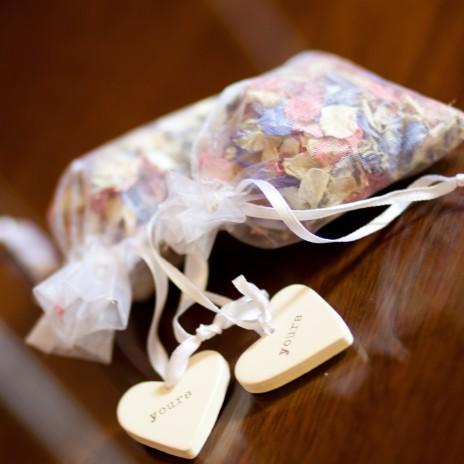 лепестки роз в мешочке