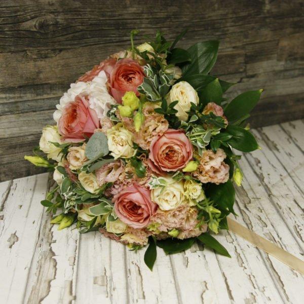 Розы Романтик Антик и гортензия