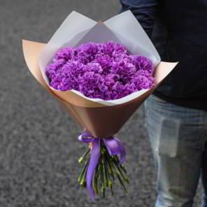 фиолетовые гвоздики монобукет