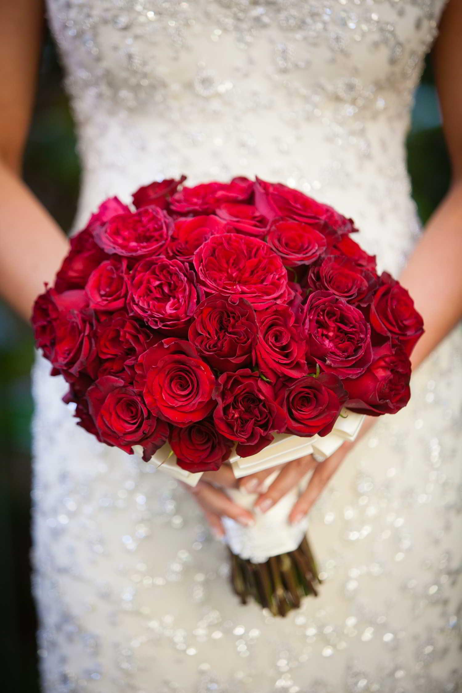 свадебный монобукет невесты красный