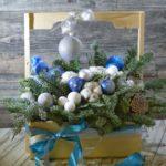 цветочный ящик деревянный на новый год с лапником