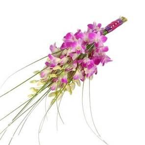розовый букет невесты из орхидей