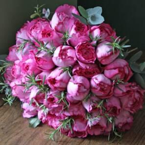 51 роза Ив Пьяже