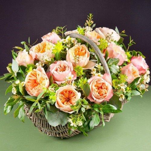 Корзина роз Джулиет и Эдит