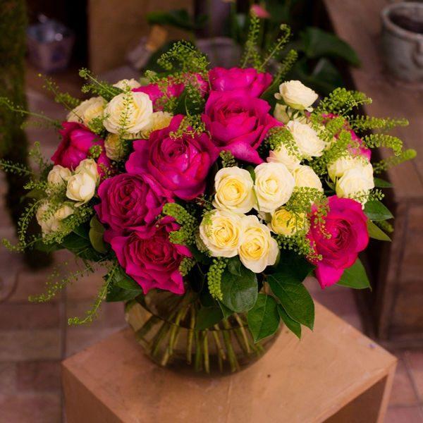 Ив Пьяже и кустовая роза