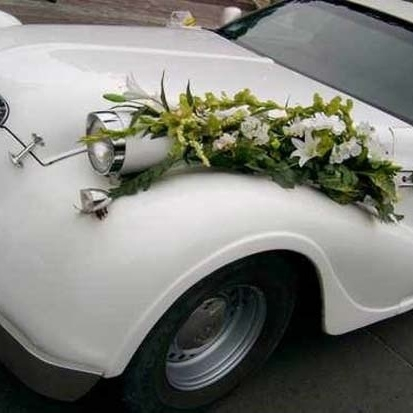 Декор автомобиля цветами 2