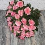 49 розовых пионовидных роз