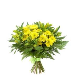 Желтый букет из хризантем и альстромерий