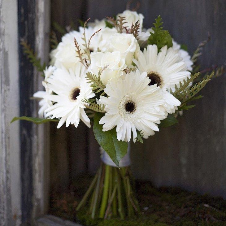 Белый букет невесты из гербер