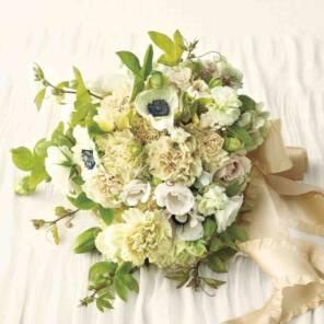 Букет невесты из белой гвоздики