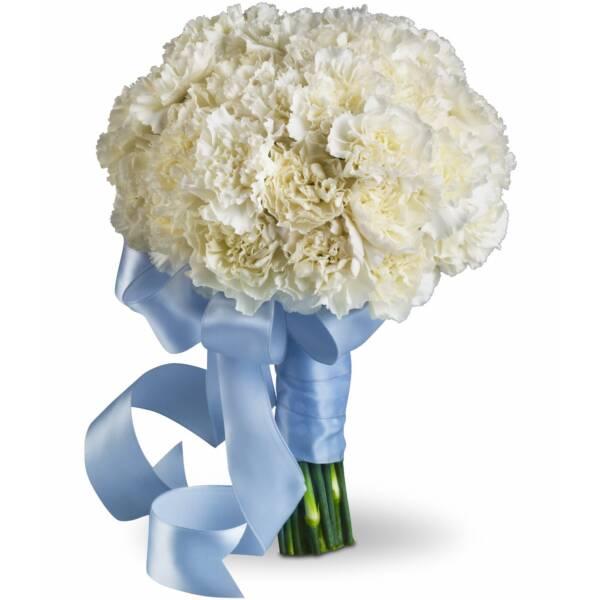Круглый белый свадебный букет из гвоздики