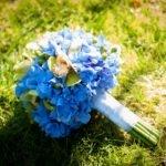 Букет невесты из гортензии и орхидеи