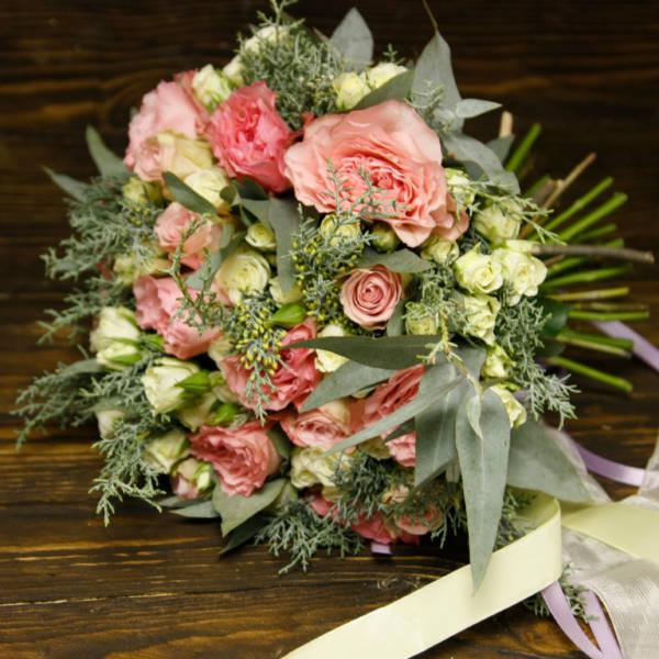 розы пионовидные и кустовые