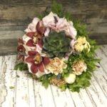 Суккулент, орхидеи, пионы